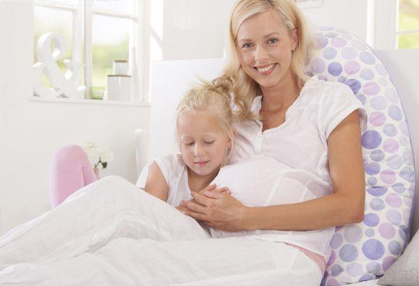 cojin-maternal-lactancia-original-theraline-madre-hija-cositasdebebes