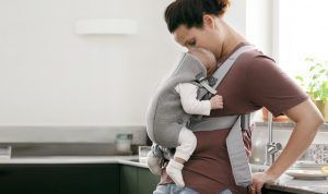mochila-porta-bebe-babybjorn-mini-madre-bebe-cositasdebebe