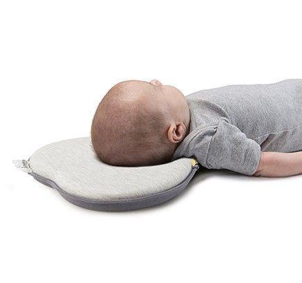 cojin-cabeza-bebe-durmiendo-lovenest-gris-babymoov-cositasdebebes