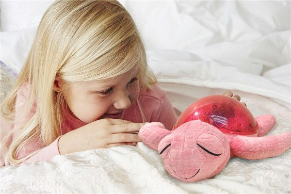 proyector-tortuga-rosa-niña-cloudb-cositasdebebes